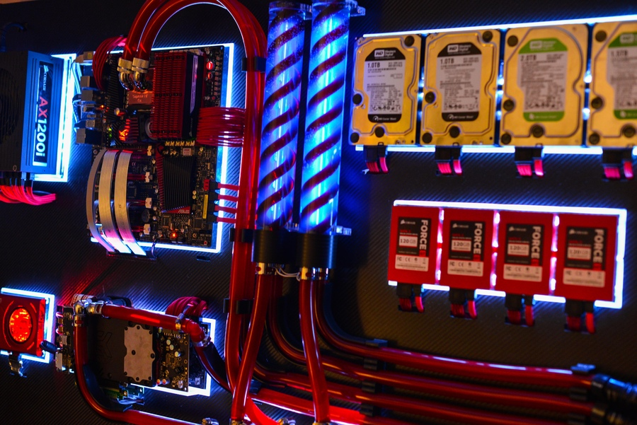 Awesome Wall Mounted Computer Rig Just For Gamers