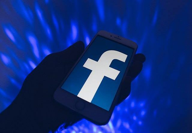 Facebook to notify third-party apps logins
