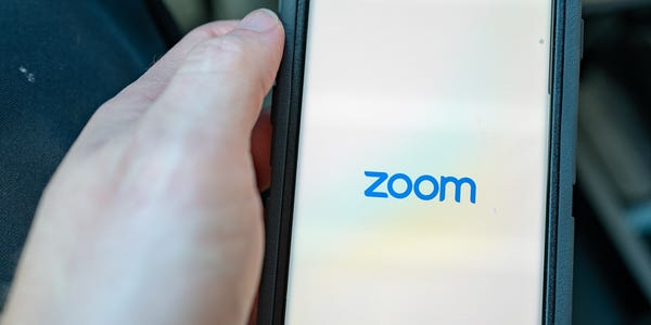 Zoom iOS app share data with Facebook