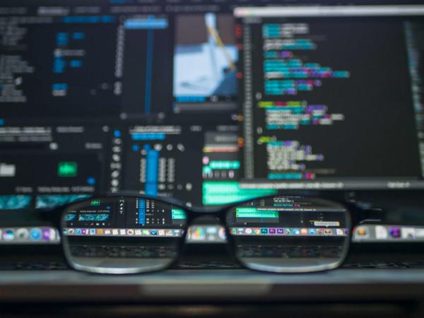 O que é o hackeamento e como sua empresa deve se proteger contra ele
