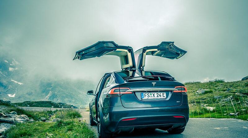 Tesla Model X hacked